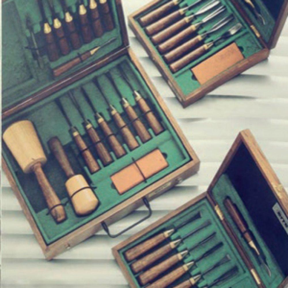 Set sgorbie per legno - Phase prodotti restauro Firenze - Cassetta sgorbie per legno - PHASE- Attrezzature per il legno e doratura, Attrezzature per il restauro e di laboratorio.