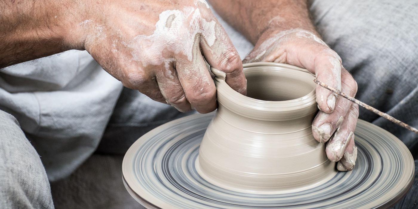 Phase Italia - Blig - Pisa capitale della ceramica per un semestre - dettaglio lavorazione