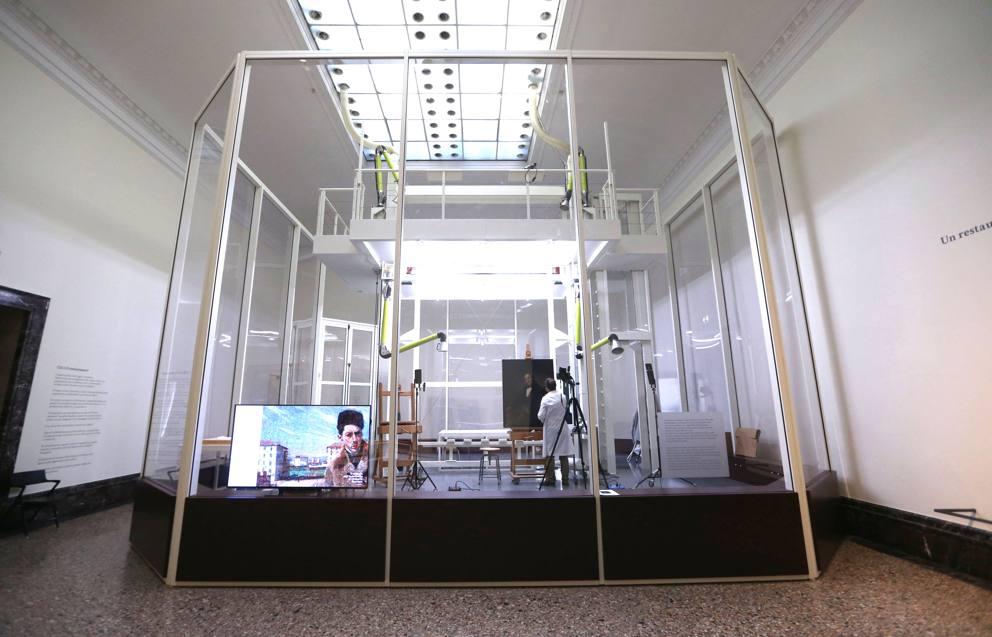 Phase Italia Blog - Alla Pinacoteca di Brera va in scena il restauro del Manzoni di Hayez - Vista scatola trasparente