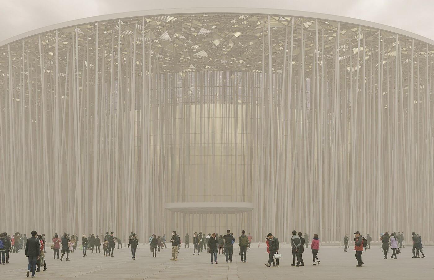 Phase Italia Blog - Il teatro ispirato ad una foresta di bambù - vista da fuori di giorno 2