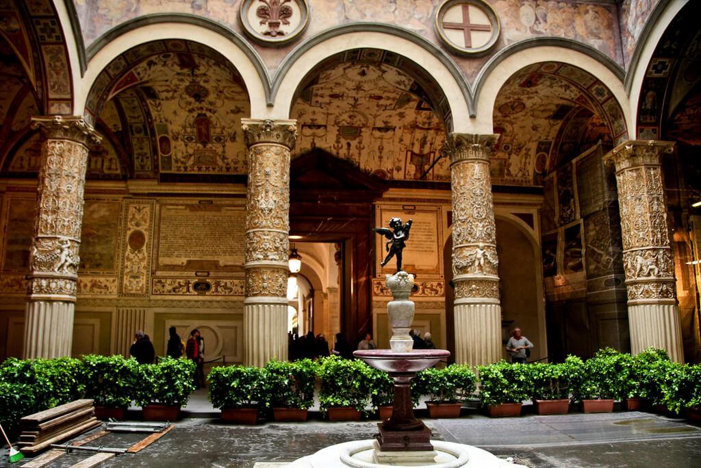 """Phase Italia Blog - Partito il restauro del """"Putto col Delfino"""" grazie a Friends of Florence - vista della fontana"""
