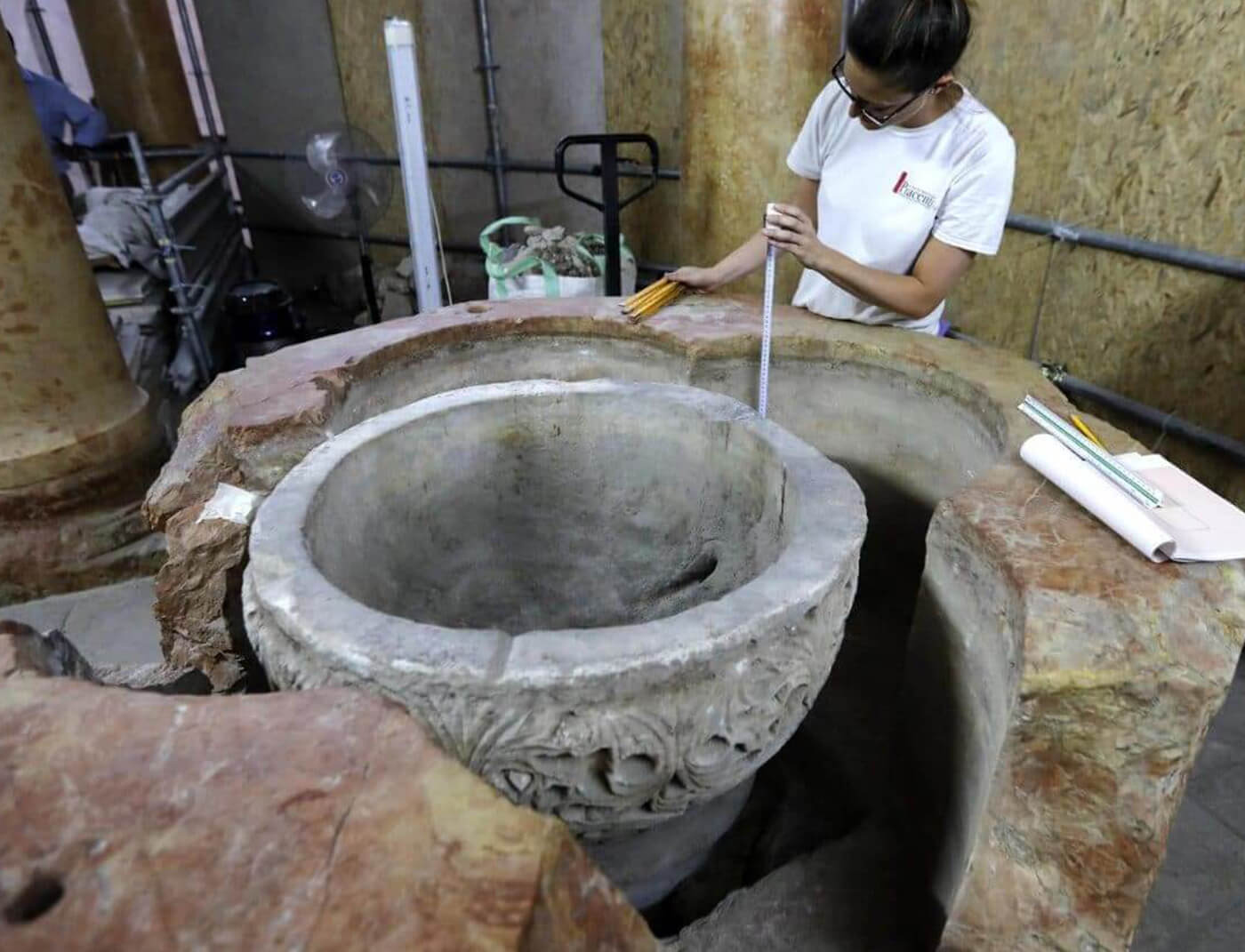 Scoperta fonte battesimale alla Natività di Betlemme - Misurazioni ad opera di un esperto